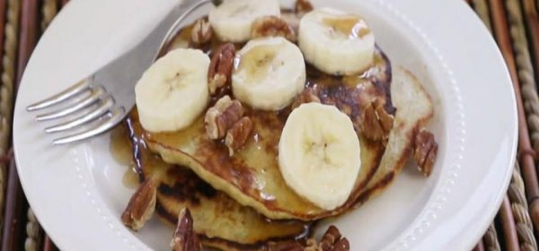 2-Ingredient Wheat-Free Banana Pancakes (Paleo)